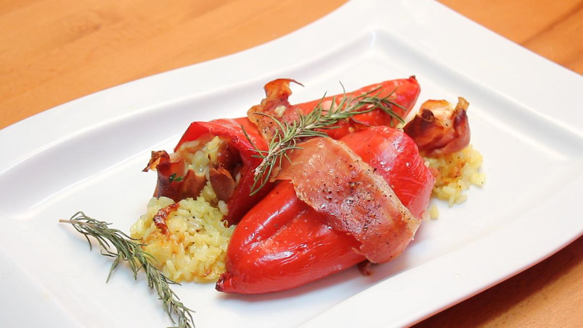 Видео рецепт: Пиперки полнети со пармезан рижото