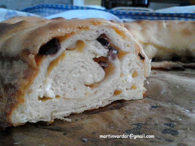 Лепче со маслинки и сирење