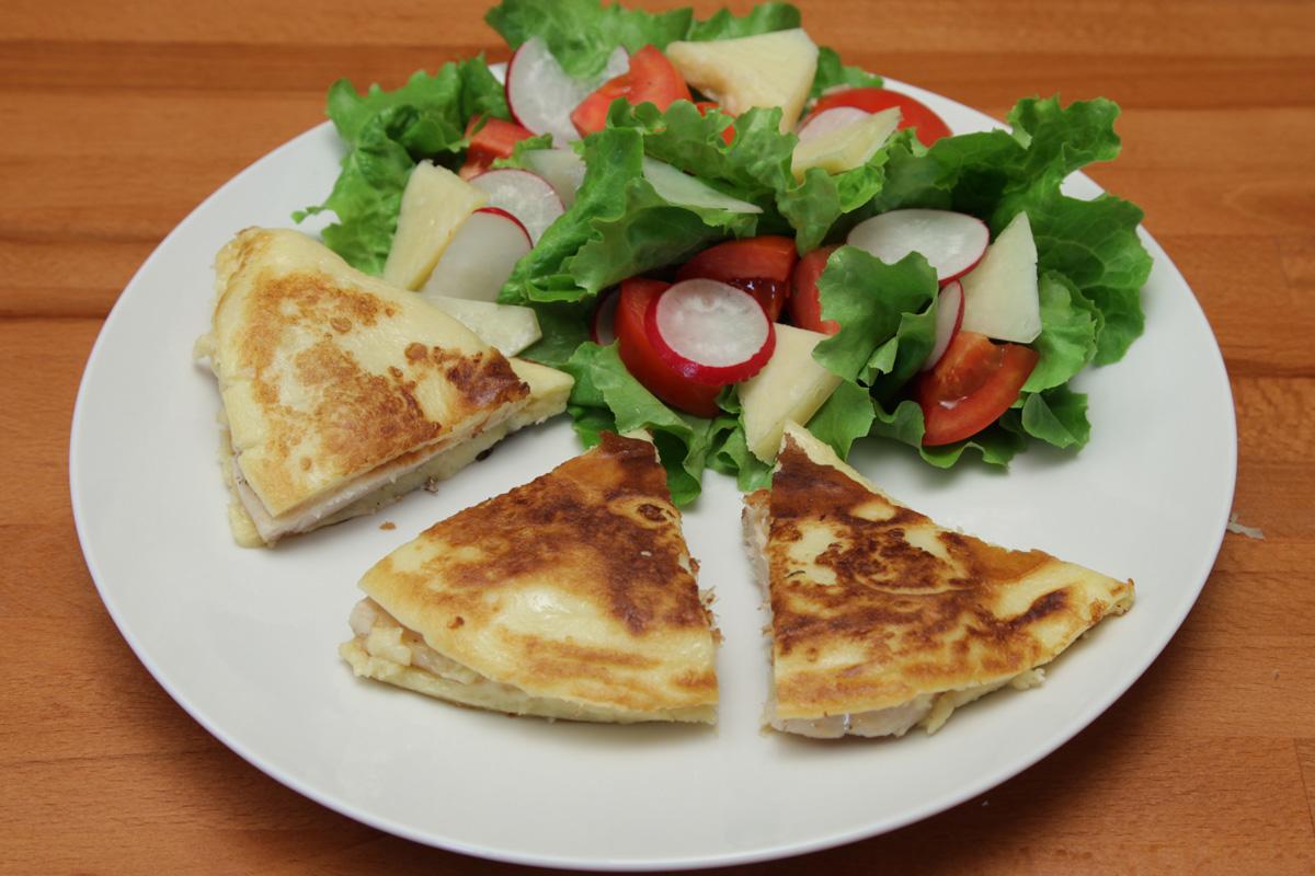 Видео рецепт: Палачинка со пармезан и пилешко