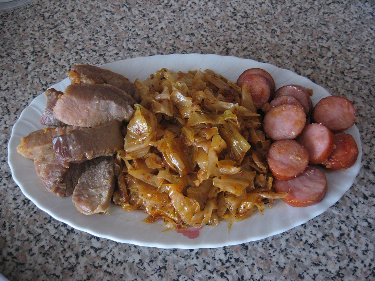 Свинско со зелка (расол)