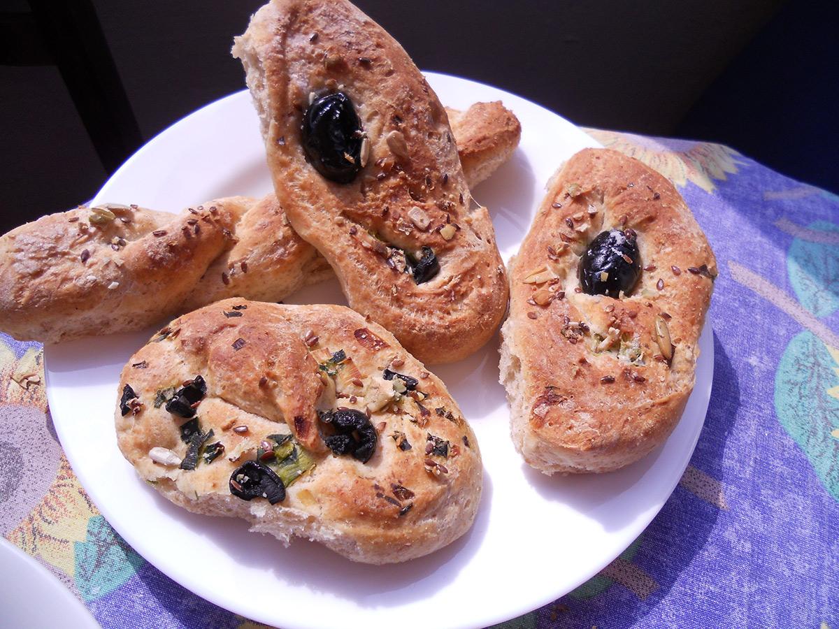 Пециво со маслинки