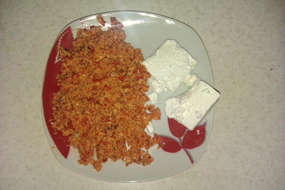 Јајце со кечап