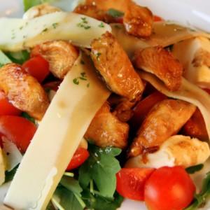 Видео рецепт: Делимано пилешка салата