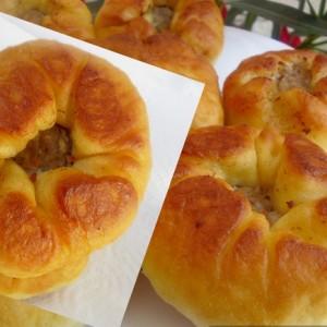 Пржени пирошки со мелено месо