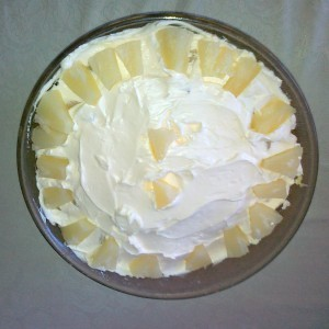Овошна торта со ананас