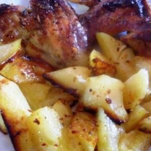 Маринирани пилешки крилца со мед и пиво