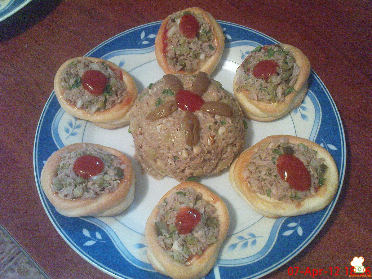 Туна салата со ориз