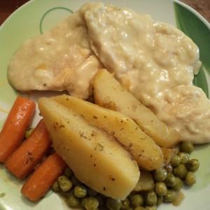 Пилешки стек во сос
