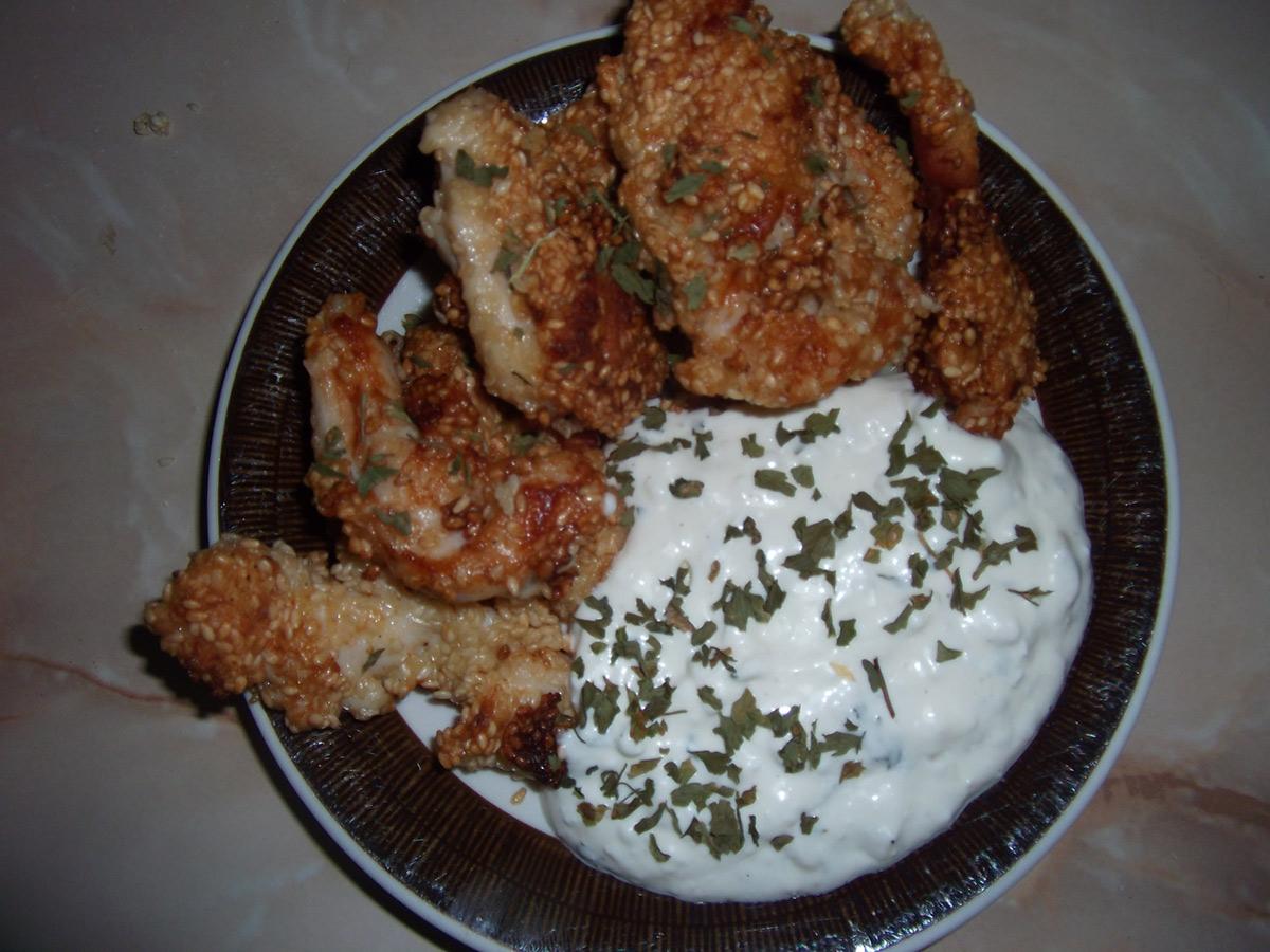 Пилешки полжавчиња во сос