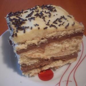 Кремаста не печена торта