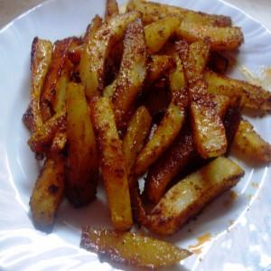 Печени компири со црвен пипер