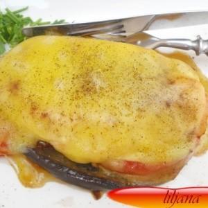 Запечен стек со патлиџан и зачински билки