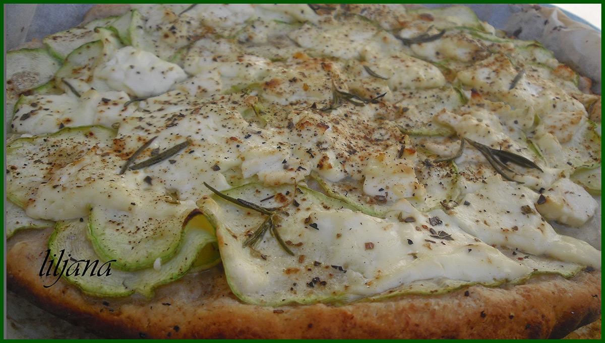 Пица со тиквички