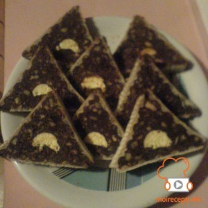 Триаголници со крем банани