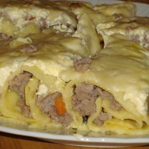 Полнети палачинки со мелено месо