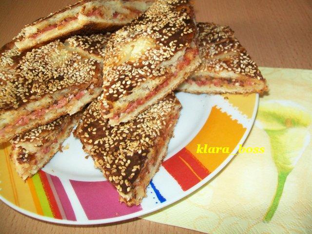 Сусамова пица пита