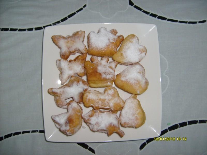 Крофни со прашок за пециво
