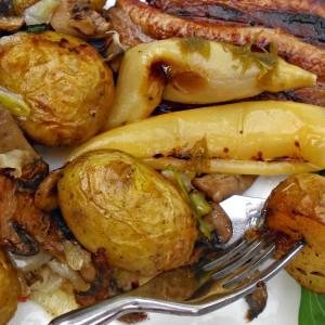 Млад компир во лушпа