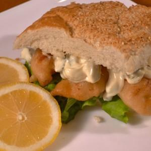 Видео рецепт: Сендвич со рибини прсти