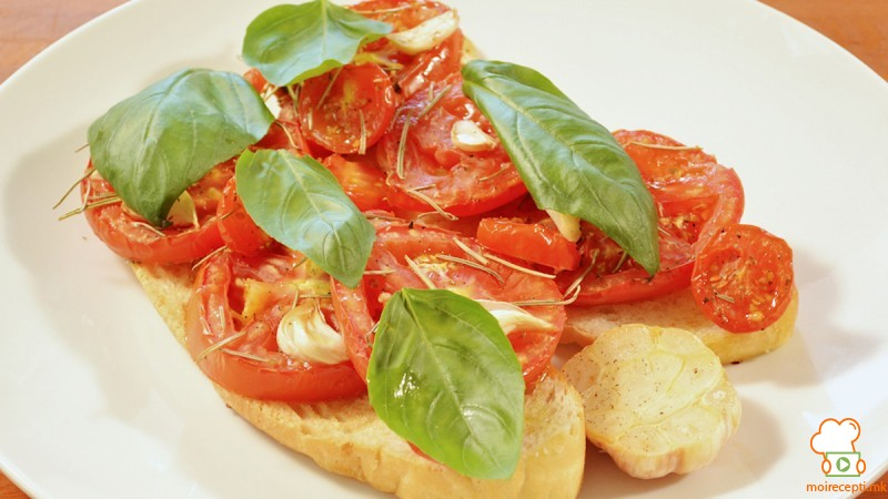 Видео рецепт: Брускети со домати, печени на тивок оган