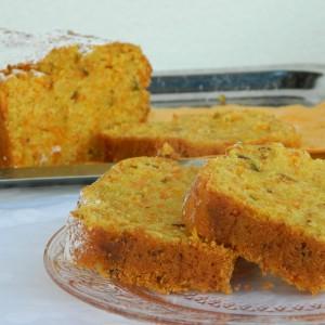 Сладок посен колач со моркови