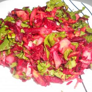 Витаминска салата со ѓумбир