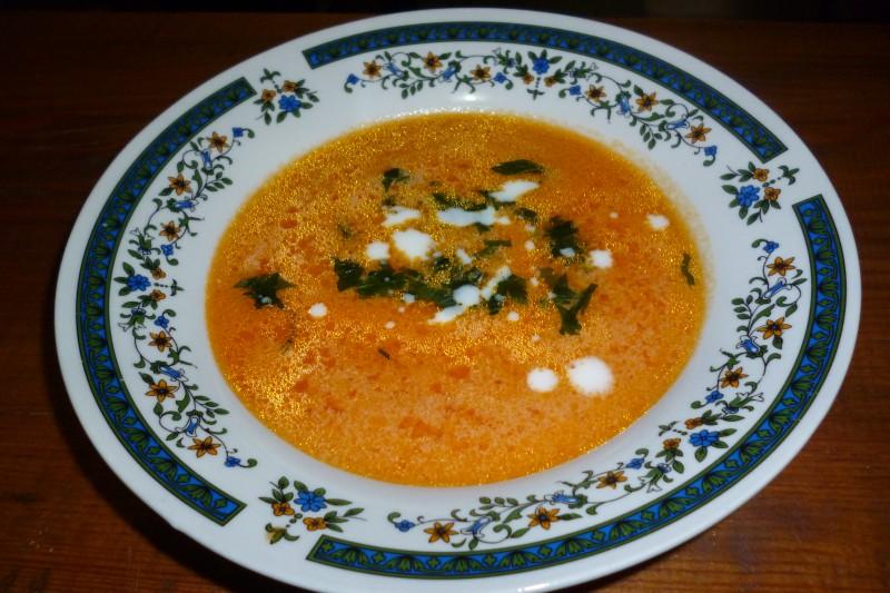 Супа од домати со павлака