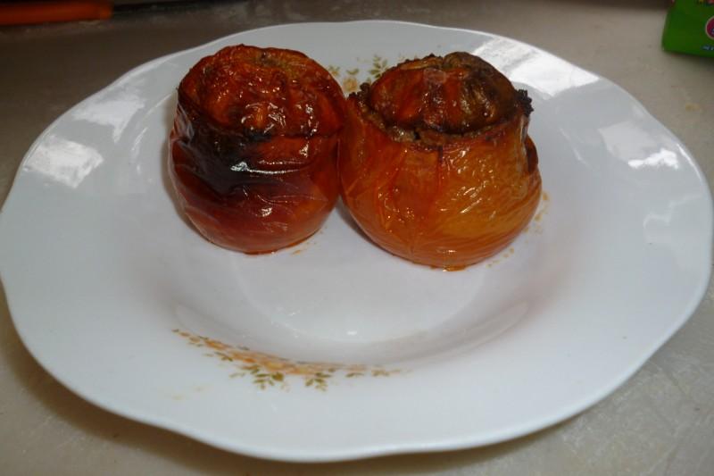 Полнети домати со пченица