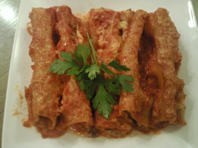 Канелони со мелено месо