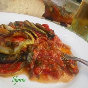 РАТАТУЈ  со домашно подготвен сос од домати