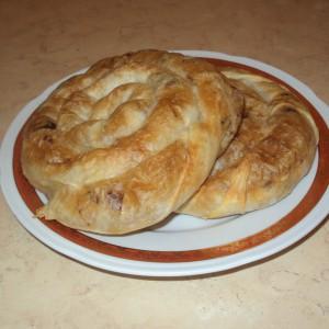 Полжавчиња со мелено месо и пармезан
