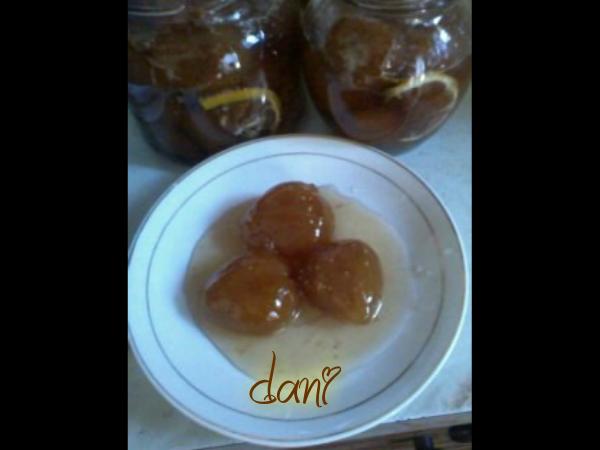 Слатко од зрели  лупени смокви