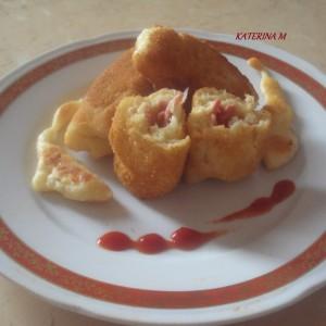 Пирошки со мортадела и моцарела