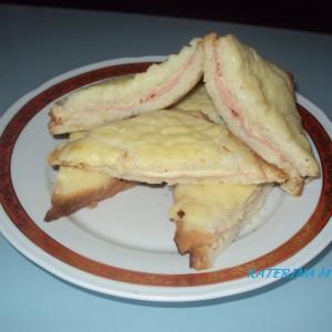 Сендвичи со бешамел