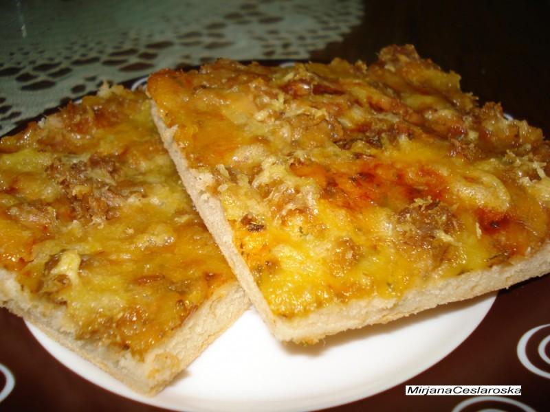 Посна пица со туна