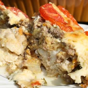 Потпечен карфиол со мелено месо
