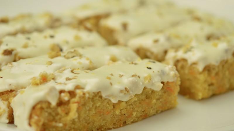 Видео рецепт: Торта со моркови (Керот кејк)