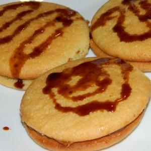 Лепени колачиња со карамел