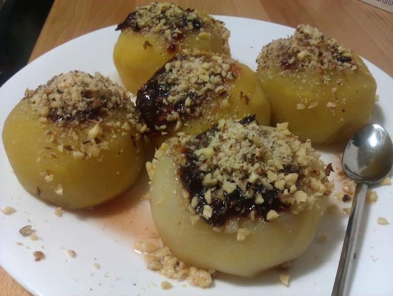 Посен јаболков десерт