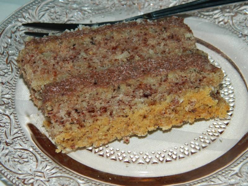 Посна торта со пиво и ореви