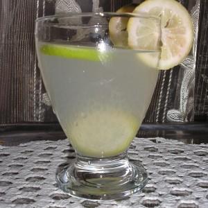 Сок од лимон-домашна лимонада