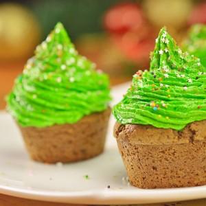 Видео рецепт: Чоколадни елка тортички