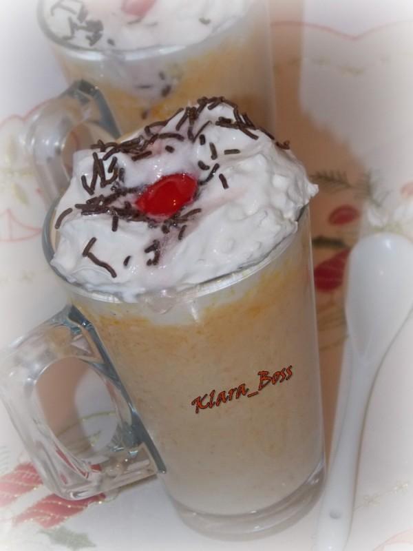 Бело топло чоколадо со тиква