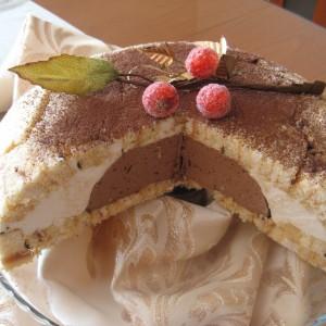 Купола од чоколаден мус