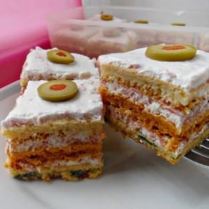 Солен шарен колач