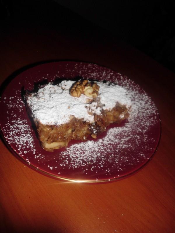 Здрав колач со јаболки