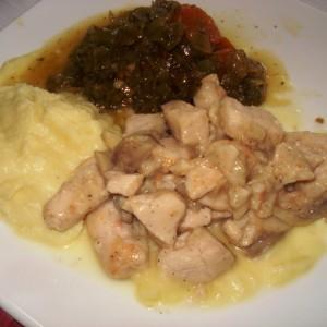 Пилешки стек со шампињони и ѓумбир