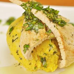 Видео рецепт: Мисиркино со босилек и палента