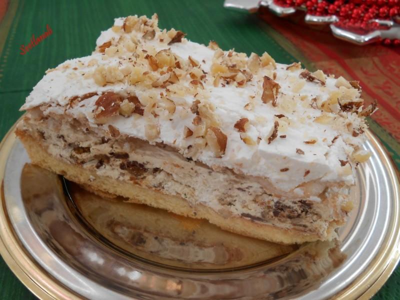 Торта со медени колачи