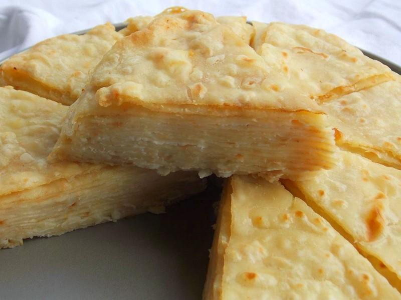 Солена торта со рикота и младо сирење